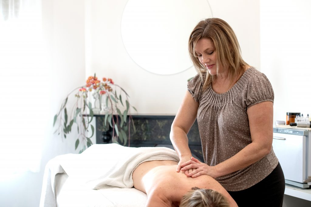 Massage in Bendigo. Image of Massage Therapist at Bendigo Osteo